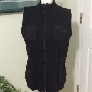 ❤️ EUC Jones NY Sport black vest, large